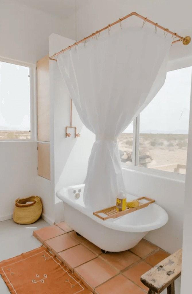 Bathtub at El Rancho Joshua Tree