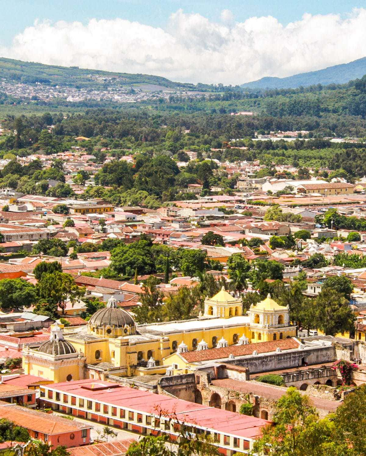 Photo diary of the charming town of Antigua in Guatemala, via www.livelikeitstheweekend.com