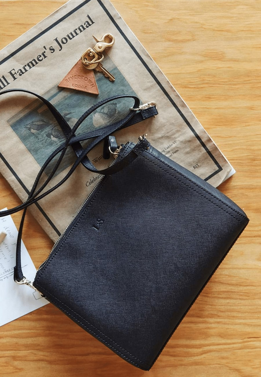 Lo&Sons' The Pearl Crossbody has multiple functional pockets for easy organization
