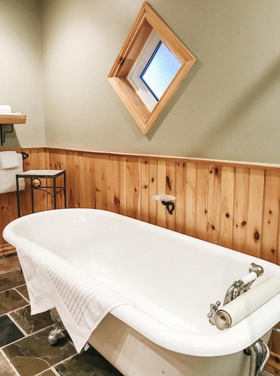 Staying at Buffalo Mountain Lodge Banff, Alberta, Canada