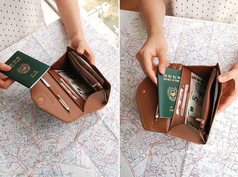 2017 Gift Ideas for Stylish Female Travelers