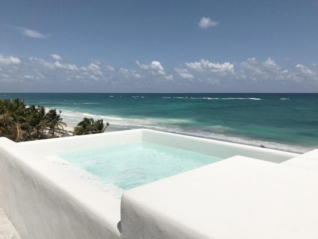 The Most Magical Tulum Beach Hotels You Can't Miss (Plus Map!) Chiringuito Hotel | Yoga hotels | Best hotels Tulum | Tulum boutique hotels | Tulum Mexico map | Where to stay in Tulum | Places to stay in Tulum | Best Tulum hotels on the beach | Tulum, Mexico | Travel tips Tulum | Tulum 2019 | Tulum travel | Tulum accommodation |