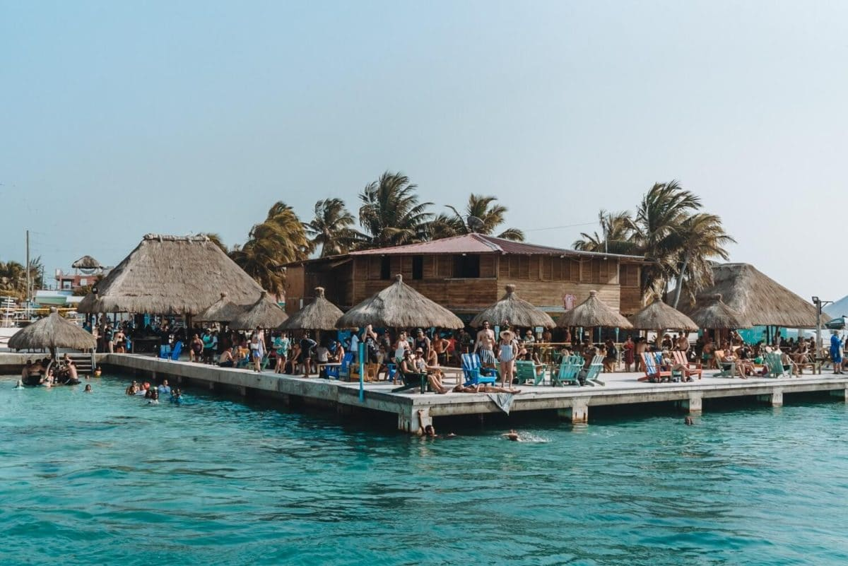 Things to do in Caye Caulker Caya Caulker guide | Belize travel | Belize tips | Caye Caulker tips | What to do in Belize | Where to go in Belize | Best food in Caye Caulker | Caye Caulker beach | How to get to Caye Caulker