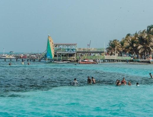 Things to do in Caye Caulker Caya Caulker guide | Belize travel | Belize tips | Caye Caulker tips | What to do in Belize | Where to go in Belize | Best food in Caye Caulker | Caye Caulker beach | How to get to Caye Caulker