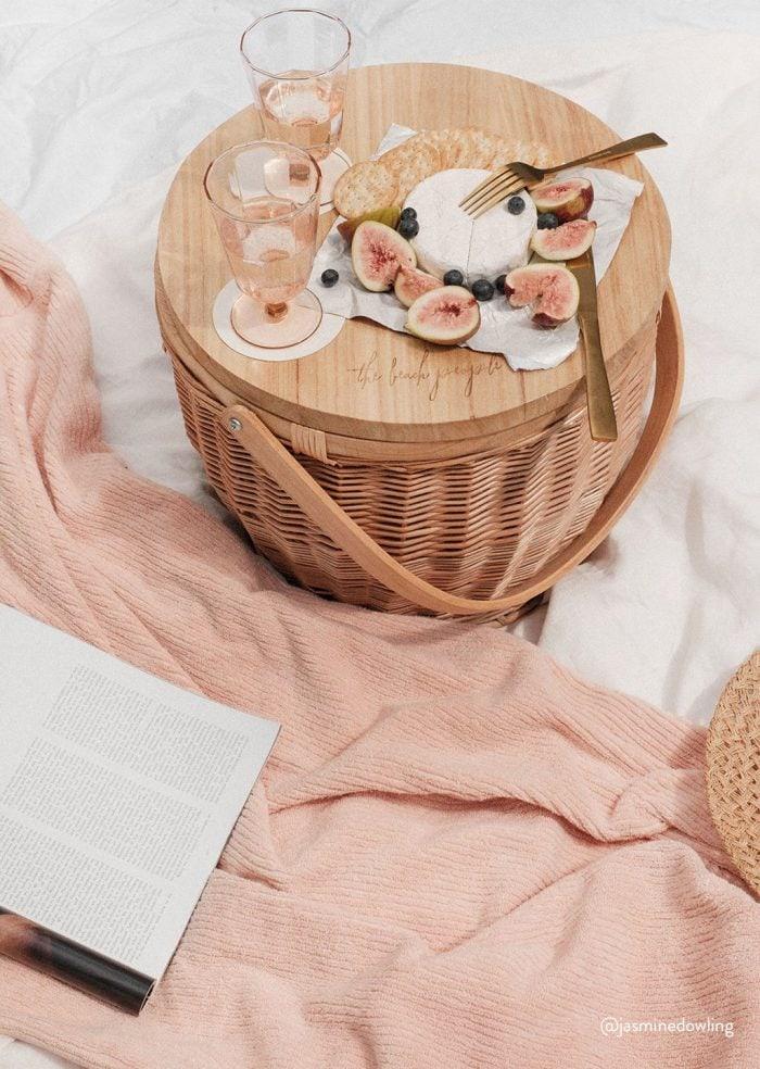 Picnic basket gift