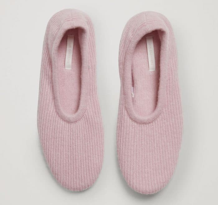 cashmere travel slippers - gifs for women