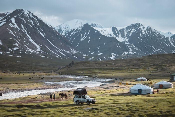 Follow the Tracks tour Mongolia