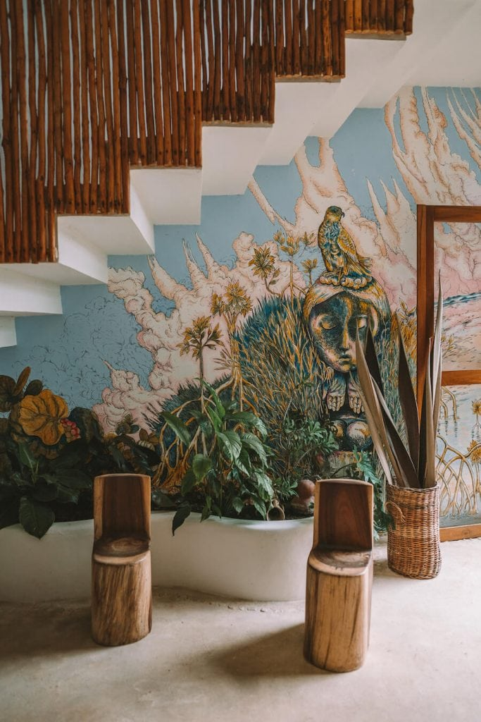 Hotel Aires mural