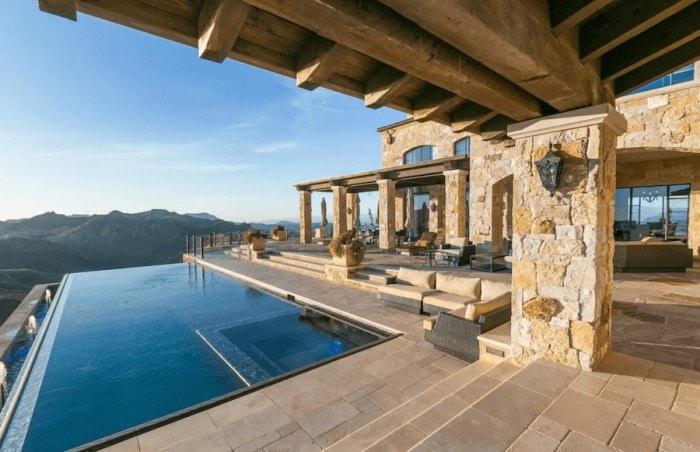 Infinity pool at Malibu Rocky Oaks Vineyard