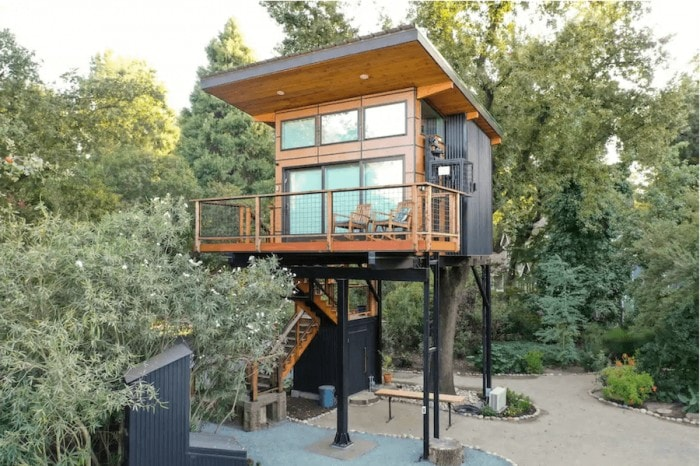Treehouse Airbnb in Visalia, CA