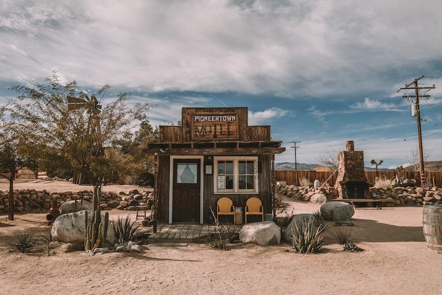 Weekend Getaways from Los Angeles - Pioneertown Motel