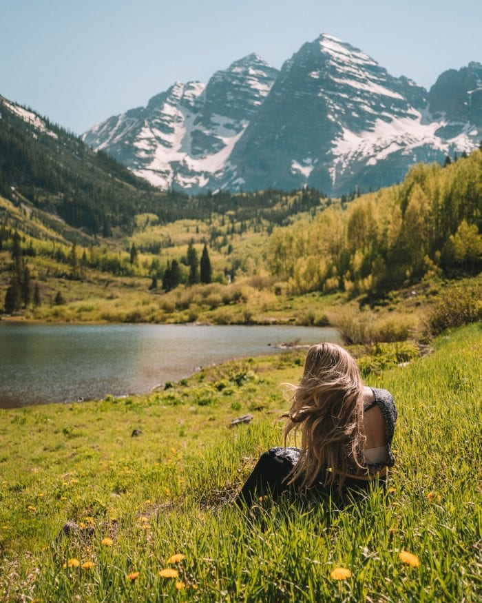 Mountain and lake scenic view at Maroon Bells, Aspen