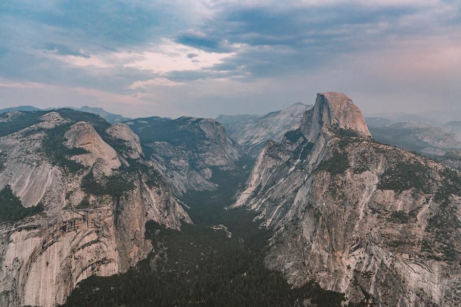 Sunset views overlooking Yosemite Valley